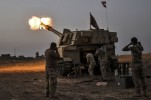 Iraqi Forces Close in on Tigris in Mosul